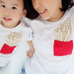 French fries tee we  Kid's size 6months- 6years Adult size XS - XL LINE us for details!  #irononmini #ootd #babyolshop #olshopjakarta #olshopbandung #olshopindo #babytshirt #olshopindo #babytee #bajubaby #kidslookbook #babytshirt #babyshop #jualbajubayi #jualbajuanak #brandrepsearch #followforfollow #babyfashion #kidsfashion #monochrome #kidswardrobe #momandbaby #igkids #babybib #kidslookbook #twinning #momandme #toddlerfashion #localbrand #dadandme #twinningiswinning by irononmini