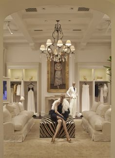 The new Ralph Lauren luxury flagship in São Paulo presents elegant rooms dedicated to Collection for women, Purple Label for men as well as salons for luxury accessories.