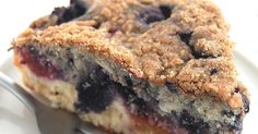Peachberry Buckle: King Arthur Flour This dense-yet-tender cake, with layers of both peaches and berries right in the batter, is topped with cinnamon-y streusel. Cake Recipes, Dessert Recipes, Flour Recipes, Fruit Recipes, Top Recipes, Drink Recipes, Sweet Recipes, Yummy Recipes, Recipes