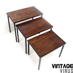 [:en]Mid century set of coffee tables[:nl]Vintage mimiset / set bijzettafels