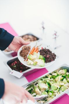 Buffet - épuré - plats à partager - bœuf - lentille - carottes - traiteur - chef à domicile - Paris