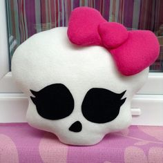Monster high decorative pillow!  All new and handmade with lots of love and fun!  The pillow is made out of fleece and felt, stuffed with non