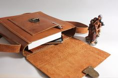 #style #menstye #womanstyle #leather #derilileatherart #leathergoods #bag