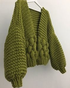 When I Thought The Bee Bomber Couldn't Get Better Than The Orange Crush Version 🍊Then Green Tea Came Along . Knitwear Fashion, Knit Fashion, Knitting Patterns, Crochet Patterns, Knit Picks, Yarn Colors, Knitting Projects, Hand Knitting, Knit Crochet