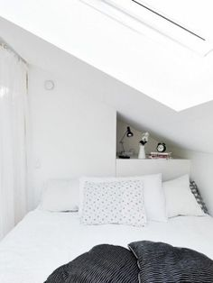 love use of space behind bed