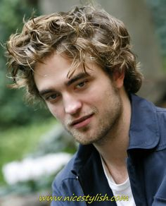 """""""Twilight"""" star Robert Pattinson has been confirmed to play the next Batman. Take a look at some things you may not know about the English actor. Robert Pattinson, Medium Hair Cuts, Medium Hair Styles, Curly Hair Styles, Wavy Hair Men, Short Curly Hair, Celebrity Hairstyles, Messy Hairstyles, Stylish Hairstyles"""