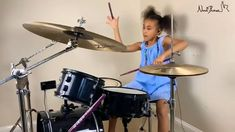 This young girl is absolutely flawless on Drum set Drum Music, Piano Music, Dance Music, Music Songs, Music Videos, Indie Music, Music Mood, Funny Video Memes, Funny Short Videos