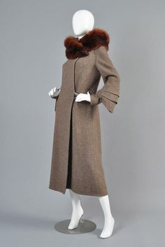 Art Deco Fin Sleeve Fox Collar Coat | BUSTOWN MODERN