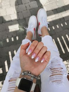 How to choose your fake nails? - My Nails Acrylic Nails Coffin Short, Almond Acrylic Nails, Summer Acrylic Nails, Best Acrylic Nails, White Almond Nails, Short Almond Nails, Short Nails, Spring Nails, Aycrlic Nails
