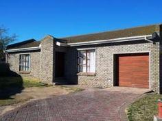 2 Bedroom House for sale in Vredenburg - Vredenburg