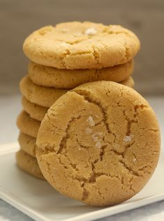Browned Butter Salty Sugar Cookies 1 cup unsalted butter 2 cups all-purpose flour 1 & 1/2 teaspoons baking soda 1 teaspoon salt 1 cup packed light brown sugar 1/2 cup granulated sugar 1 large egg 1 & 1/2 teaspoons vanilla extract coarse salt, for sprinkling tops of cookies