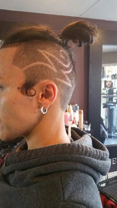 Hair tattoo differenztrenz Hair Tattoos, Barbers, Stylists, Hoop Earrings, Jewelry, Jewlery, Bijoux, Schmuck, Barber Shop