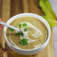 Prosty i szybki przepis na zupę krem z grzybów leśnych. Zupa grzybowa krem jest delikatna i kremowa. To szybka zupa bez mięsa i bez bulionu. To moja ulubiona zupa grzybowa krem, którą można podać też na Święta. Gluten Free Recipes, Healthy Recipes, Healthy Food, Polish Recipes, Polish Food, Hummus, Thai Red Curry, Food Photography, Food And Drink