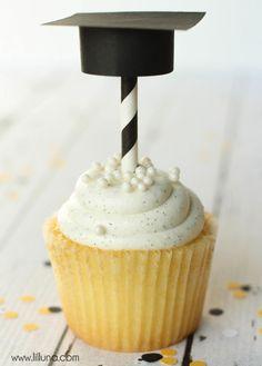 Super Cute DIY Graduation Cap Cupcake Toppers! Tutorial on { lilluna.com } All you need is some scrapbook paper, scissors, glue, & straws!!
