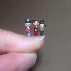 Mini Kokeshi Puppe. 01:12 skalieren. 15 mm hoch
