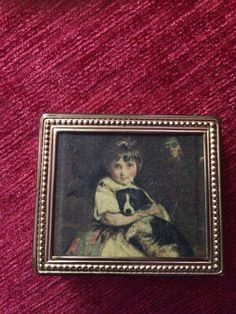 SALE ..Very Rare Vintage Stratton Compact Lovely vintage exsample by suffolkoddsandends on Etsy