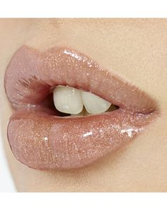Shimmery lip via THENEXTMOSS