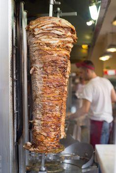 Greek street food - Gyros and souvlaki Greek Fast Food, Athens Acropolis, Athens Greece, Greece Cruise, Greek Gyros, Best Dishes, Foods To Eat, Greek Recipes, Food Truck