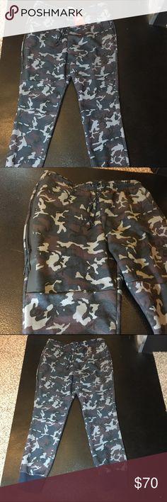 NWT Nike Tech Fleece In grey/blue camo joggers XL NWT Nike Tech Fleece Pants 100% authentic size XL camo blue/grey Retail on these was $120 Nike Pants Sweatpants & Joggers