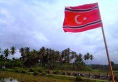 "Milad GAM yang ke 39 ini akan jatuh pada hari ini, 4 Desember 2015. ""Sehubungan dengan Qanun Nomor 3 Tahun 2014 tentang Bendera dan Lambang Aceh yang belum ada suatu kesepakatan bersama antara Pemerintah Pusat dengan Pemerintah Aceh, maka dengan ini diminta kepada semua pihak untuk tidak menaikkan, mengibarkan, menggunakan dan mempublikasikan bendera dan lambang Aceh dimaksud sampai dengan adanya ketentuan lebih lanjut,"" demikian pernyataan Forkopimda Aceh pada Kamis, (03/12)."