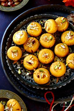 Pin it to save it for later ! Kesar Mawa Peda ( Indian style Creamy Saffron Fudge ) with a magnificent taste, it's rich and melts in yo. Indian Desserts, Indian Sweets, Indian Food Recipes, New Recipes, Sweet Recipes, Vegetarian Recipes, Cooking Recipes, Favorite Recipes, Peda Recipe