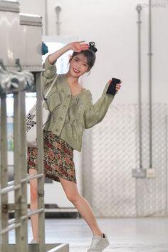 "IU 191206 ""Love Poem"" 2019 Tour Concert in Singapore Kpop Fashion, Daily Fashion, Korean Fashion, Fashion Outfits, Kpop Outfits, Korean Outfits, Cute Outfits, Look Star, Kpop Mode"