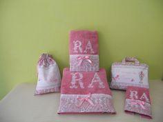 Conjunto de toallas con neceser y bolsa para zapatos