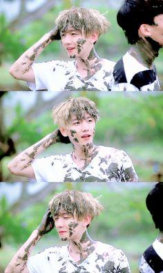 Image about exo in Baekhyun💝🙊 by Anaîs Henrondale Korean Boy, Exo Korean, Baekhyun Chanyeol, Exo Ot12, Chanbaek, K Pop, Exo Dear Happiness, Exo Album, Exo Lockscreen