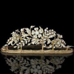 Diamond and platinum palmette tiara. Diamond floral tiara on a velvet wrapped . Victorian Jewelry, Antique Jewelry, Vintage Jewelry, Royal Tiaras, Tiaras And Crowns, Diamond Tiara, Diamond Cuts, Royal Jewelry, Fine Jewelry