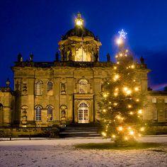 Christmas at castle Howard    http://1.bp.blogspot.com/_jXNyvNsF2To/TPgFuK-mD8I/AAAAAAAAEVw/VqBKrAinDwU/s1600/Winter%2B5%2BChristmas%2BTree%2Bon%2Bthe%2BNorth%2BFront.jpg