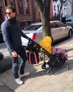 Jamie and baby Alberta out in Brooklyn. Jamie Dornan Daughter, Jaime Dornan, Christian Grey, Family Goals, Dakota Johnson, Esquire, Shades Of Grey, Mississippi, Amelia