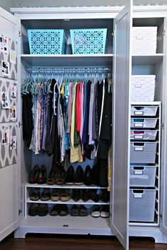 heart this closet. especially the outfits pinned up on the door  IHeart Organizing: Conquering Clothing Clutter: LINK PARTY!