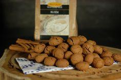 """YES YES YES YES ge-wel-dig nieuws! Herfstweer = need for #glutenvrije #pepernoten! """"Toevallig"""" hebben we eenn SUPER lekker recept met onze Lisa's choice Bloem ;-).  http://www.glutenfreewebshop.com/recepten/glutenvrije-pepernoten/"""