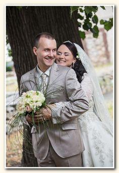 Manželia Kupčovci Svadobný salón Valery Wedding Dresses, Fashion, Bride Dresses, Moda, Bridal Gowns, Fashion Styles, Wedding Dressses, Bridal Dresses