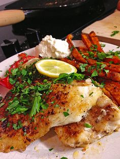Rotbarsch mit Süßkartoffeln, ein schönes Rezept aus der Kategorie Fisch. Bewertungen: 79. Durchschnitt: Ø 4,6.
