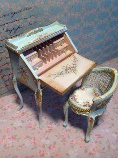 2017. Miniature Desk ♡ ♡ By Aida Pravia