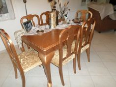 ΤΡΑΠΕΖΑΡΙΑ Κλασική αντίκα, χειροποίητη, μασίφ ξύλο, με φοβερές σκαλιστές λεπτομέρειες, έξι καρέκλες με ακριβό ύφασμα ανακατασκευασμένες και αναπαλαιωμένες, τιμή 149€ Dining Chairs, Dining Table, Furniture, Home Decor, Decoration Home, Room Decor, Dinner Table, Dining Chair, Home Furnishings