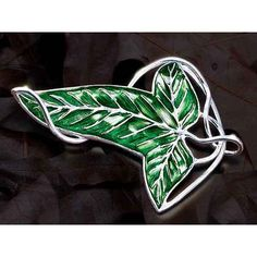 CYTprimedesign® Lord of the Rings Aragorn Elven Green Leaf Brooch Pin Pendant Necklace - Jewelry For Ladies Lord Of The Rings Tattoo, Ring Tattoos, Fellowship Of The Ring, Elvish, Geek Jewelry, Middle Earth, The Hobbit, Hobbit Hole, Wedding Rings