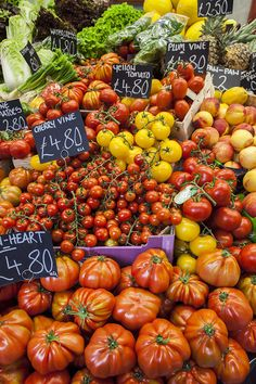 Tomatoes in Borough Market London by Drizzle and dip blog