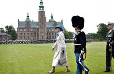 Den bedste garder fik »Dronningens Ur«   www.b.dk