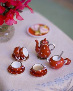 tea with dots