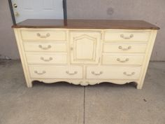 Ethan Allen Paint Decorated Distressed Country French Chest Dresser
