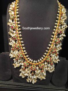 Guttapusalu Haram and Jhumkas Set photo Indian Jewellery Design, Indian Jewelry, Jewelry Design, Kerala Jewellery, Wedding Jewelry, Gold Jewelry, Trendy Jewelry, Gold Bangles, Glass Jewelry