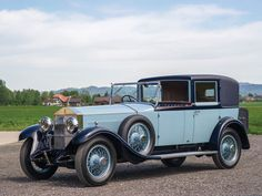 1920 Rolls-Royce 40/50 HP Silver Ghost Coupé Chauffeur by Binder | London 2015 | RM Sotheby's Bentley Rolls Royce, Rolls Royce Cars, Vintage Cars, Antique Cars, Vintage Auto, Best Classic Cars, Bmw, British Style, Fire Trucks