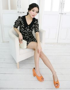 mid sleeve point collar floral lace dress  CODE: MGM790  Price: SG $74.35 (US $59.96)