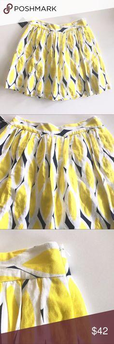 "Kaari Blue Pleated Circle Floral Geometric Skirt Kaari Blue Pleated Circle Skirt. Yellow teardrop geometric floral design. Skirt has a liner underneath. Side zipper, NWT, Size 2. Smoke free home.   Measurements below are approx.     Waist 26""  Length: 19"" Kaari Blue Skirts Circle & Skater"