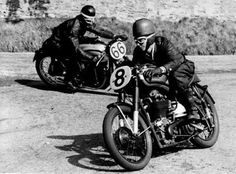 Old, veteran, well-known and Vintage Motorcycles - We offer bikes regarding a wonderful class! Vintage Bikes, Vintage Motorcycles, Vintage Love, Vintage Cars, Motorcycle Images, Motorcycle Posters, Valentino Rossi, Side Car, Collections Of Objects