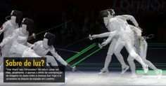 """""""Star Wars"""" nas Olimpíadas? No futuro, pode ser. Mas, atualmente, é apenas o efeito da sobreposição de imagens no duelo entre a chinesa Sun Yujie e a ucraniana na disputa da espada em Londres."""
