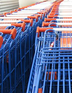 gator colors shopping carts ... in Gainesville I'm sure ....GO GATORS!