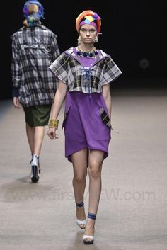 Yuma Koshino - Ready-to-Wear - Runway Collection - Women Spring / Summer 2015 - See more at: http://firstview.com/collection.php?p=25&id=40473&of=42#sthash.ripwU9Hy.dpuf